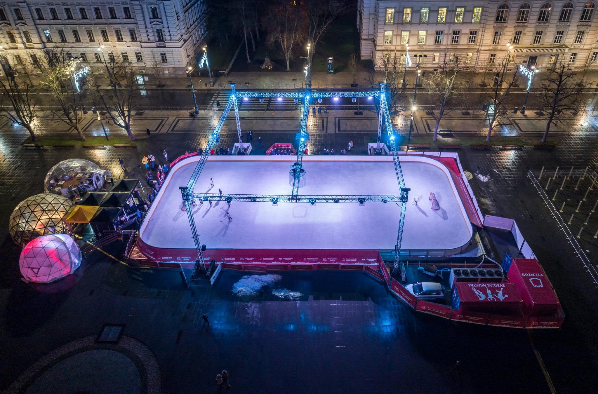 50m² Panoramic Bar Glamping Dome Ø8m | Ice rink in Lukiškės Square, Vilnius